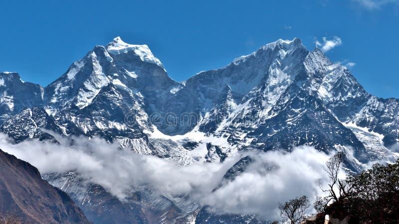 喜马拉雅山在尼泊尔 免版税库存照片