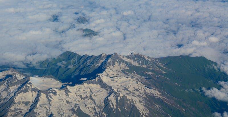 喜马拉雅山山鸟瞰图  免版税库存照片