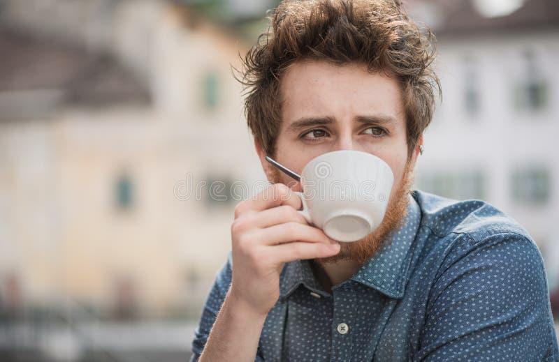 喝咖啡的行家人 库存照片
