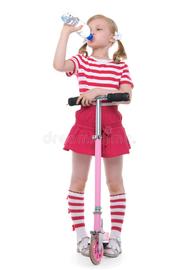 喝女孩滑行车solated水白色 图库摄影