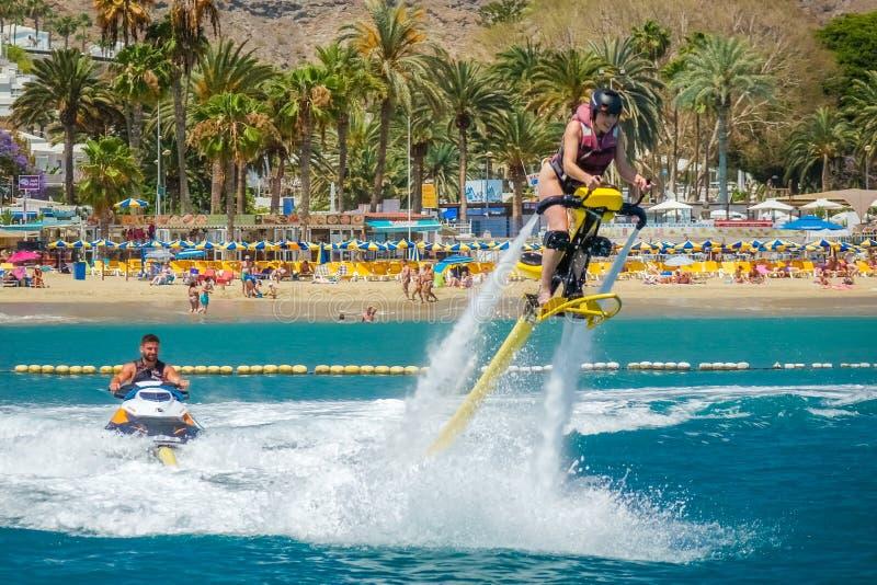喷气机滑雪的妇女 图库摄影
