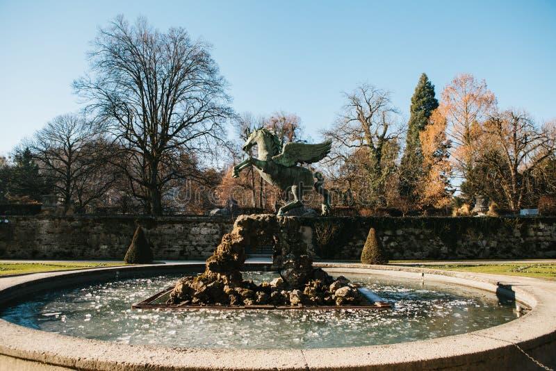 喷泉佩格瑟斯在米拉贝尔庭院里在萨尔茨堡在奥地利 免版税库存照片