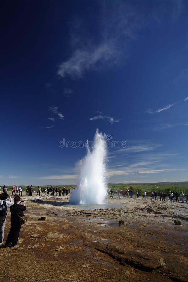 喷泉冰岛strokkur 免版税图库摄影