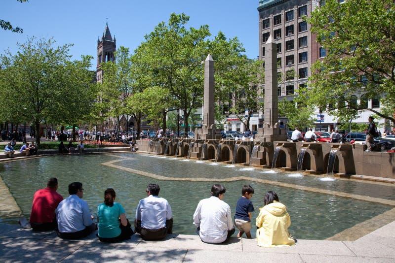 喷泉和公园在领港教会前面 图库摄影