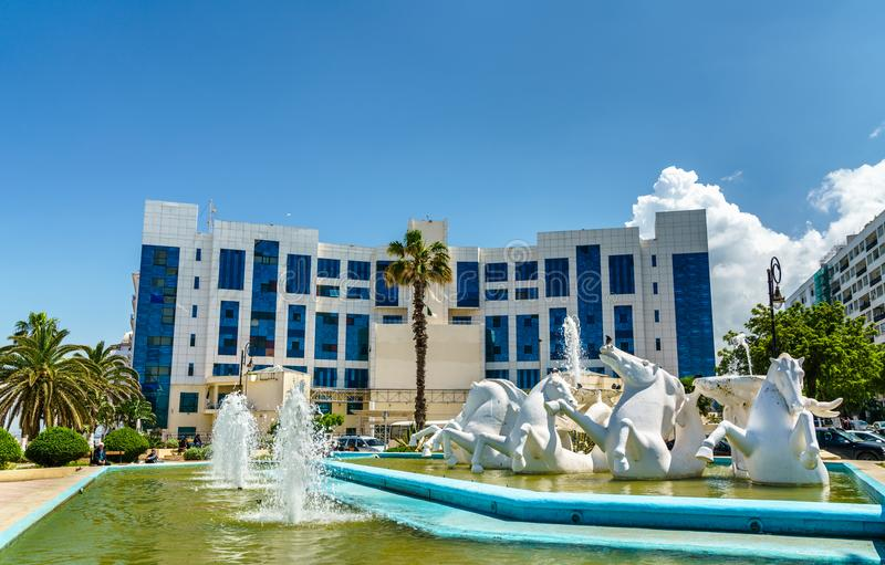 喷泉和音乐国立学院在阿尔及尔,阿尔及利亚 免版税库存图片