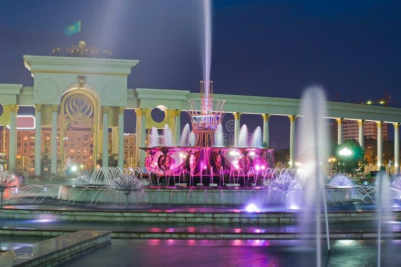 喷泉在卡扎克斯坦,阿尔玛蒂国家公园 库存照片