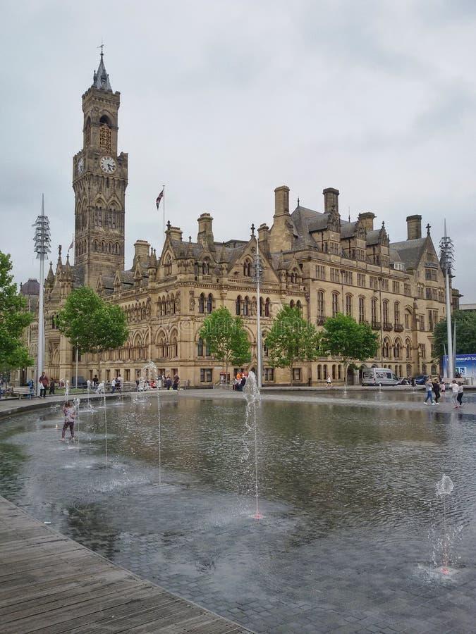 喷泉在城市 免版税库存照片