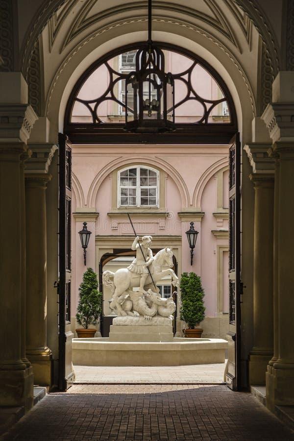 喷泉在大主教宫殿 图库摄影