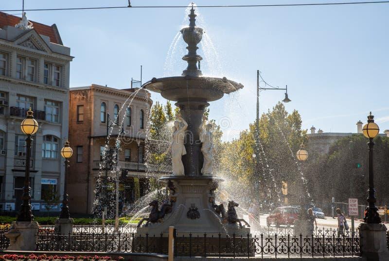喷泉在本迪戈澳大利亚淘金热历史的水特点 库存照片