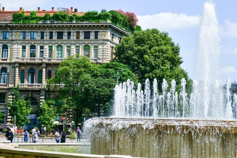 喷泉在米兰,意大利 库存照片