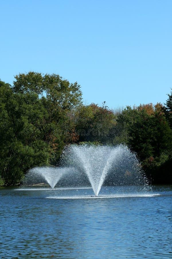 喷泉池塘 库存照片
