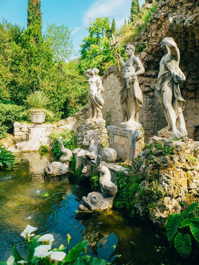 喷泉海王星在Trsteno树木园 免版税库存图片