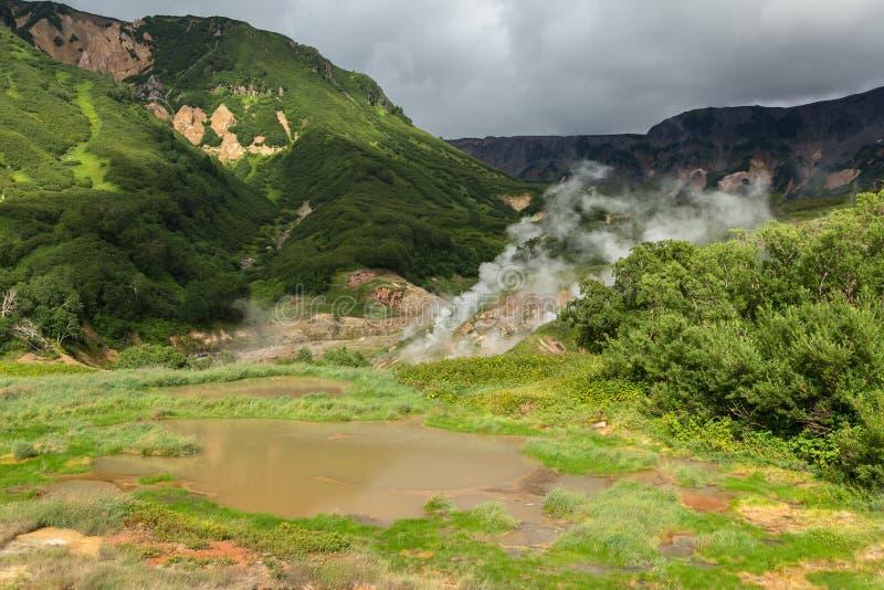 喷泉谷的Utinoye Dack湖  免版税图库摄影