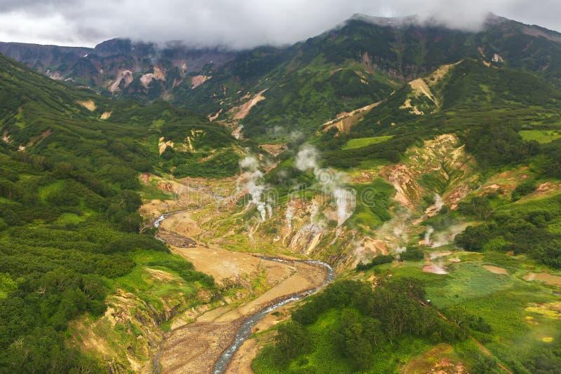 喷泉谷 克罗诺基火山在堪察加半岛的自然保护 免版税库存图片