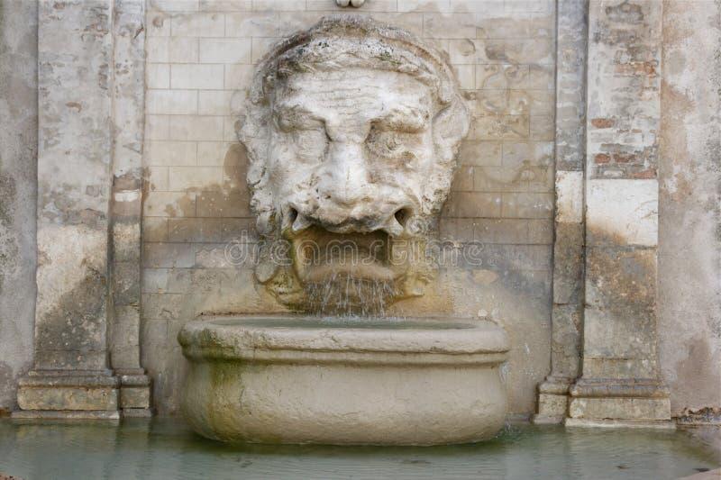 喷泉mascherone spoleto 库存图片