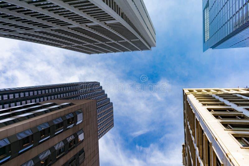 四个摩天大楼在街市芝加哥 免版税图库摄影