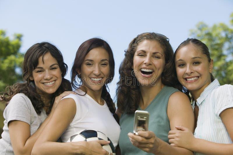 四名公园妇女 库存照片