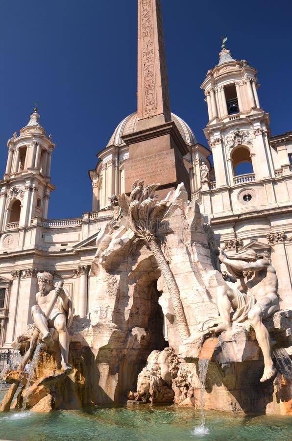 四条河的美丽的喷泉纳沃纳广场的在罗马,意大利 图库摄影