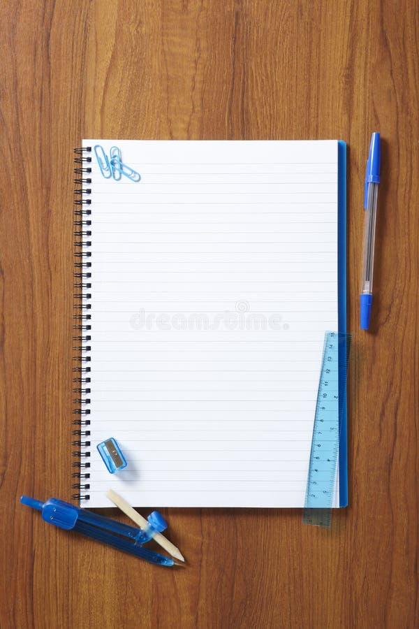 回到学校学生笔记本和固定式 免版税库存照片