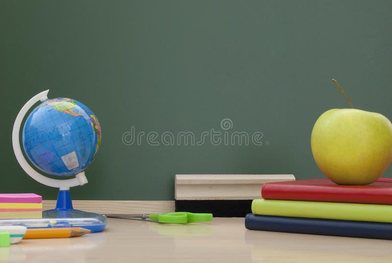 回到学校用品。 图库摄影
