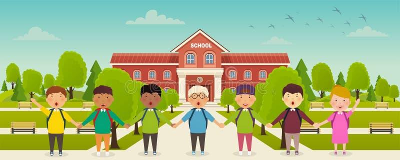 回到学校逗人喜爱的学校孩子在学校前面站立 学校的前院,有长凳的胡同 库存例证