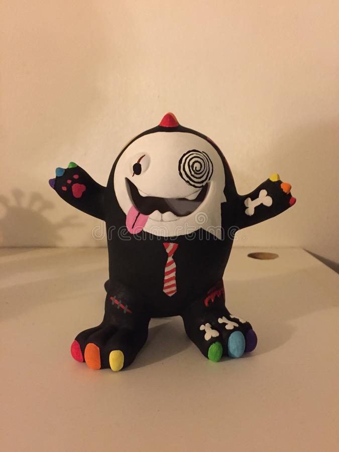 回家做的3D妖怪艺术存钱罐朝向 库存图片