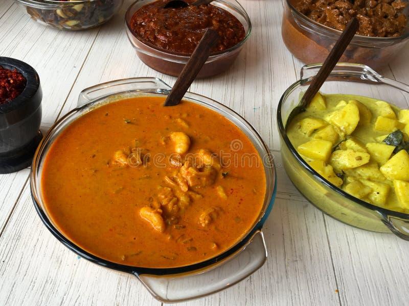 回家服务的做的斯里兰卡的烹调在桌 免版税库存图片