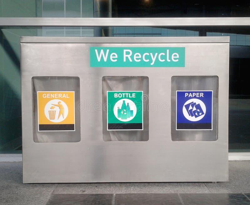回收和垃圾桶 库存图片