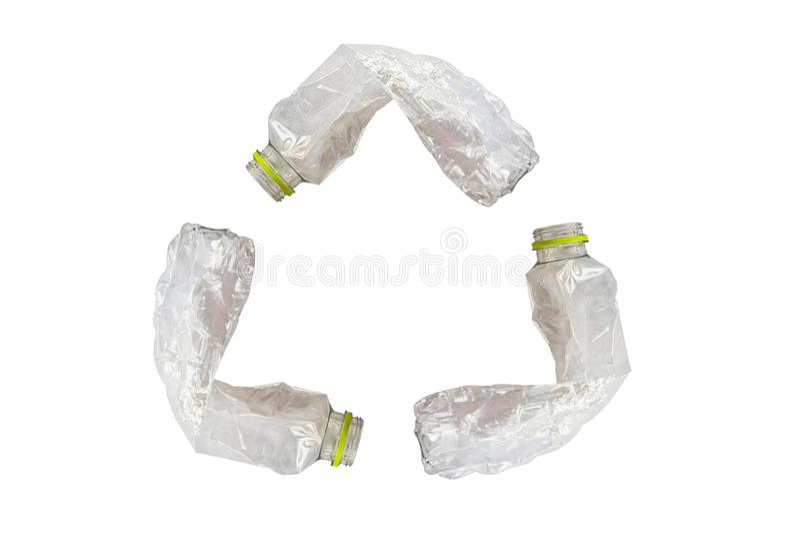 回收标志的塑料瓶隔绝在白色 免版税库存图片