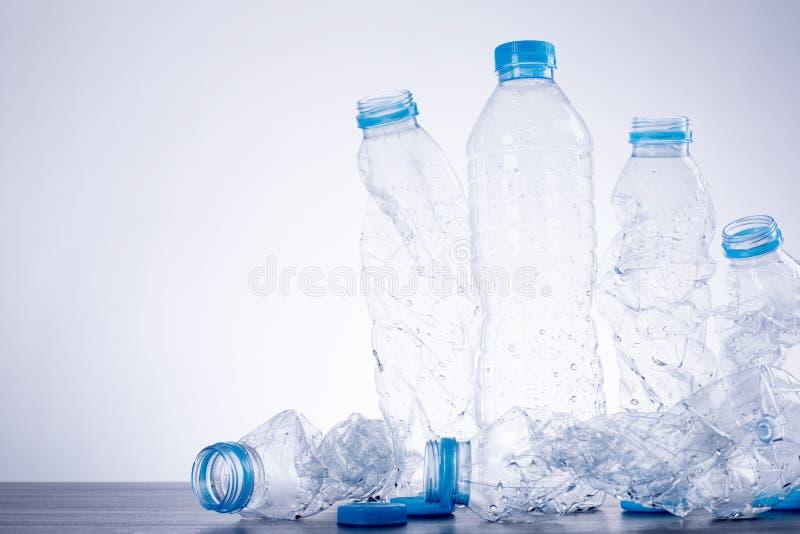 回收瓶使用的塑料 免版税库存照片