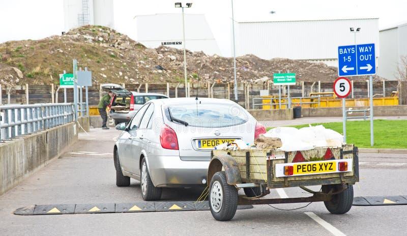 回收的拖车运载的材料。 库存图片