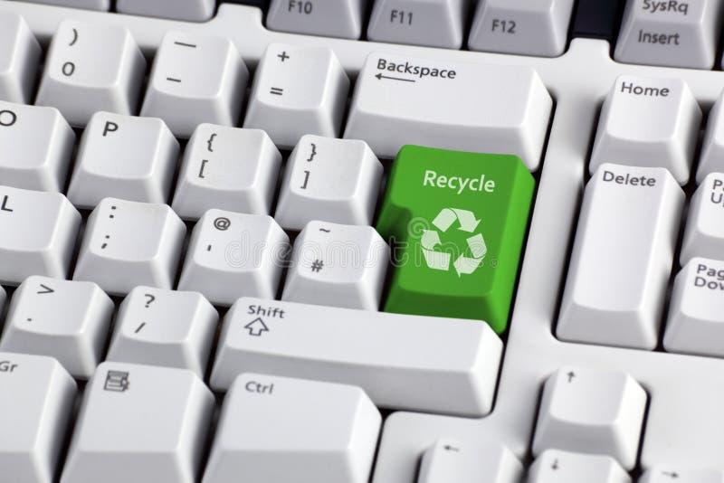 回收符号的关键董事会 免版税库存图片
