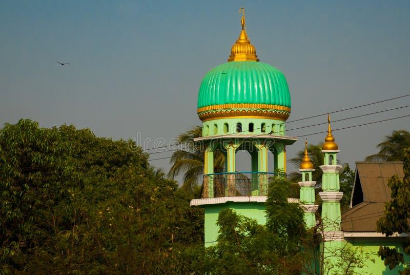 Download 回教清真寺 在缅甸的Bago 缅甸 库存图片. 图片 包括有 聚会所, 蓝色, 遗产, 布琼布拉, 城市 - 72364339