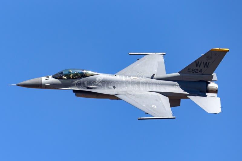 �ycj�f�yk�_澳大利亚- 2013年3月3日:团结的staes空军队美国空军洛克希德f-16cj从