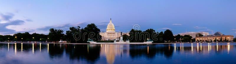 团结的雕象国会大厦大厦 免版税库存照片