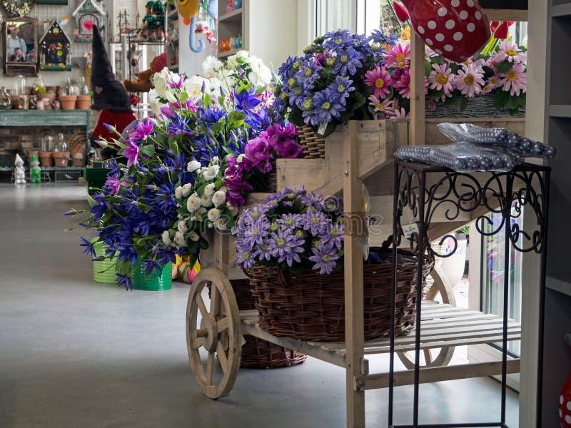 园艺中心,庭院商店,一部分的陈列 免版税库存照片