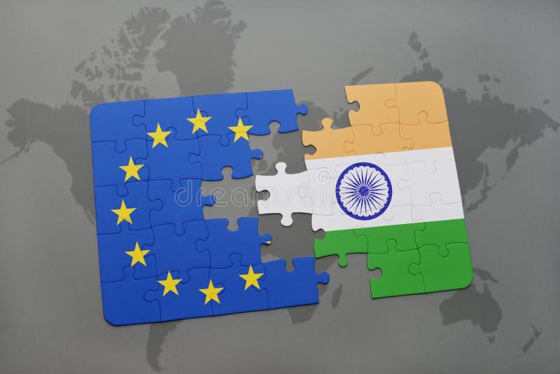 困惑与印度和欧盟国旗在世界地图背景 皇族释放例证