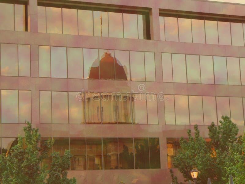国会大厦反映 免版税库存图片