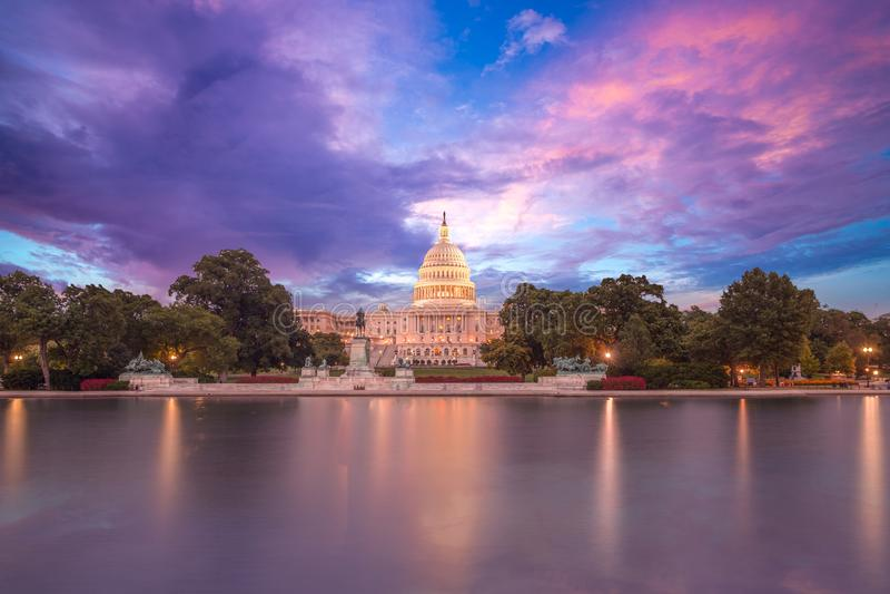 国会大厦大厦美国的日落国会 库存照片