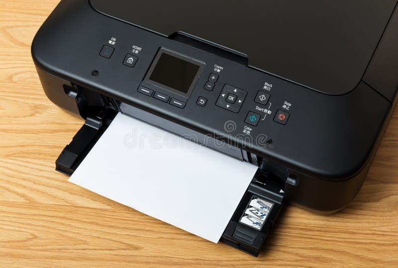 国内打印机和纸 库存照片