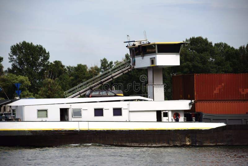 Download 国内水路运输 库存图片. 图片 包括有 甲板, 容器, 国内, 墙壁, 视图, 详细资料, 莱茵河, 汽车 - 59105149