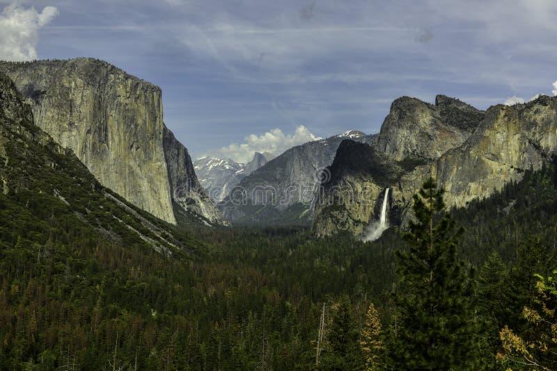 国家公园隧道视图优胜美地 库存图片