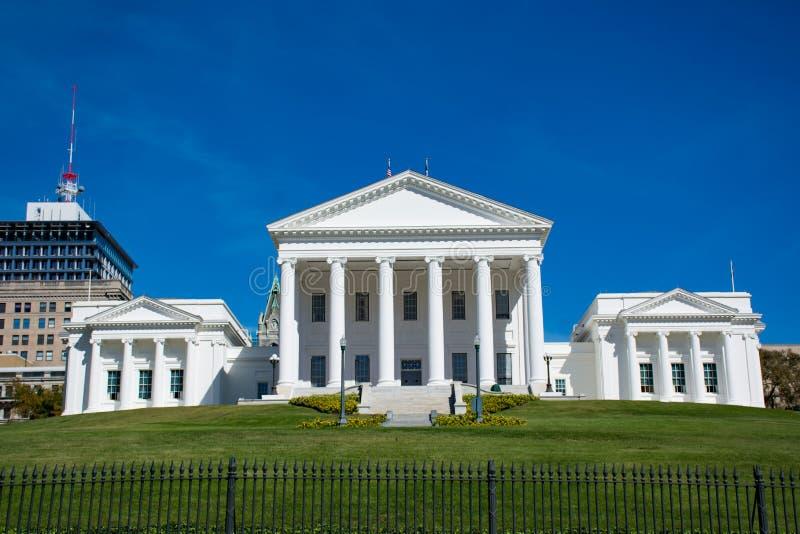 国家资本大厦在街市里士满弗吉尼亚 免版税库存图片