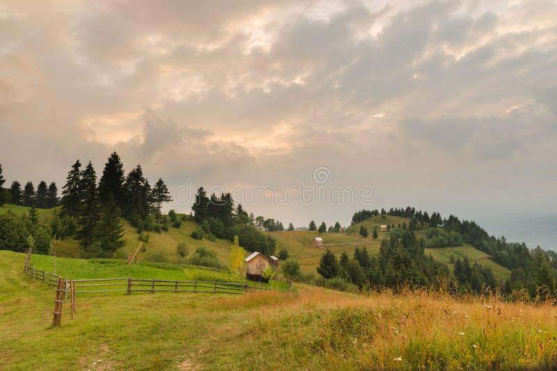 国家风景在Borsa, Maramures,罗马尼亚 免版税库存照片