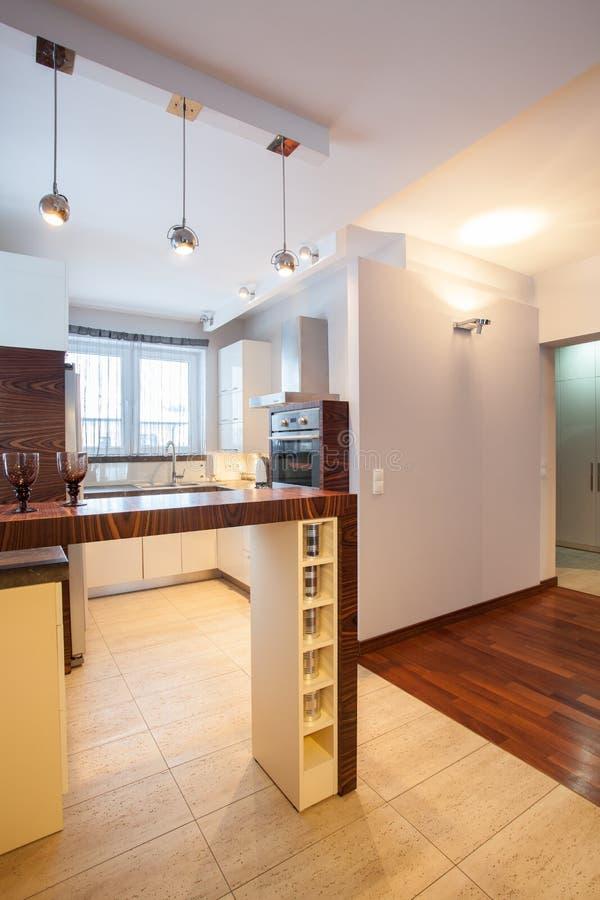国家(地区)家庭的厨房用桌 免版税库存图片
