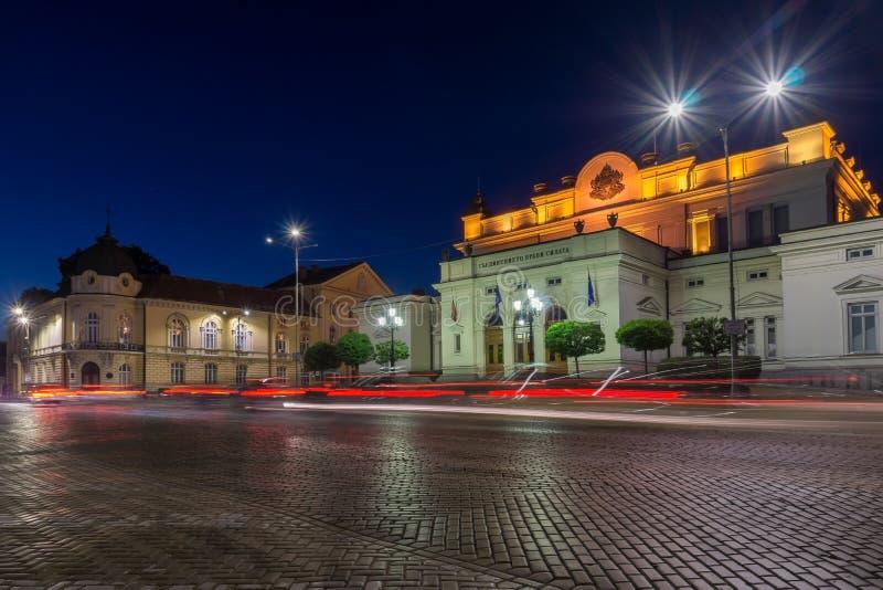 国民议会惊人的夜照片在市索非亚 免版税库存照片