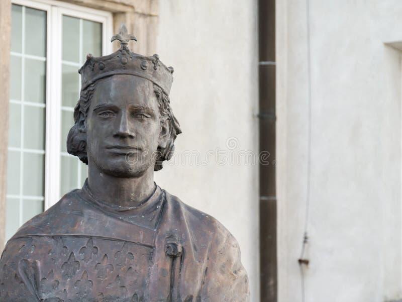 国王雕象在波兰大教堂圣克罗斯里 免版税库存图片