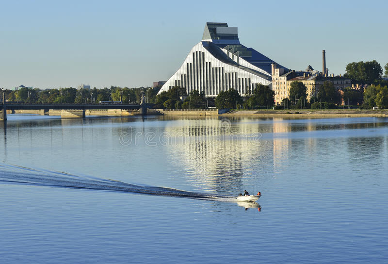 国立图书馆的现代大厦,里加,拉脱维亚 库存照片
