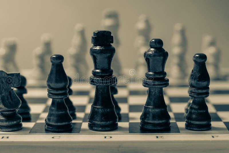 国际象棋棋局、经营战略和比赛概念 免版税库存照片