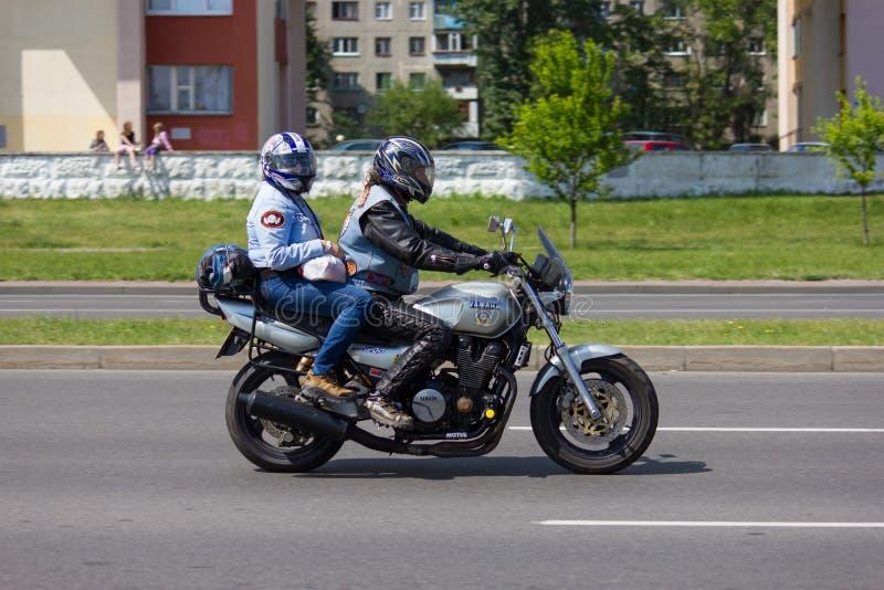 国际骑自行车的人节日的骑自行车的人在布雷斯特,白俄罗斯05/26/2012 库存照片